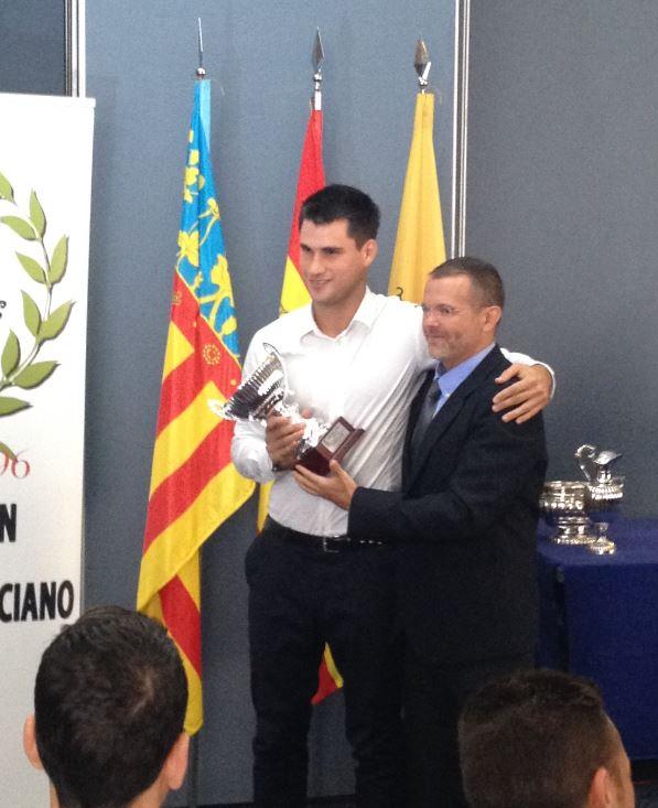 Entrega de Trofeo a Santi Jacobo
